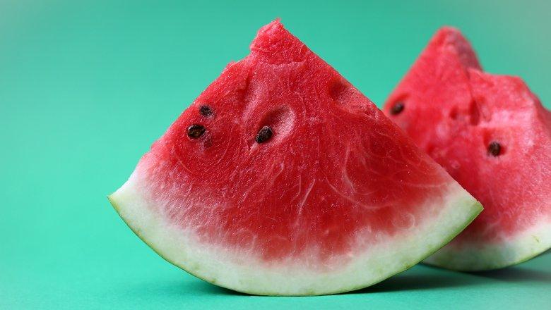 День арбуза: польза и вред самой летней ягоды