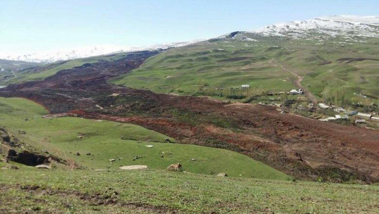Все 24 человека, очутившиеся под оползнем вКиргизии, погибли