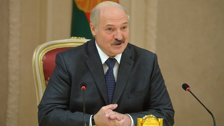 Александр Милявский поздравляет граждан Западного округа сДнем знаний