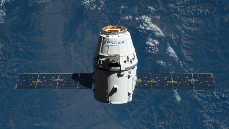 Отстыковку корабля Dragon от МКС перенесли на 3 июля из- за непогоды