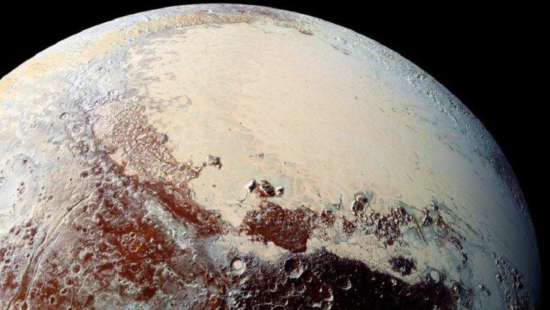 Полосы на Плутоне оказались дюнами из метанового льда