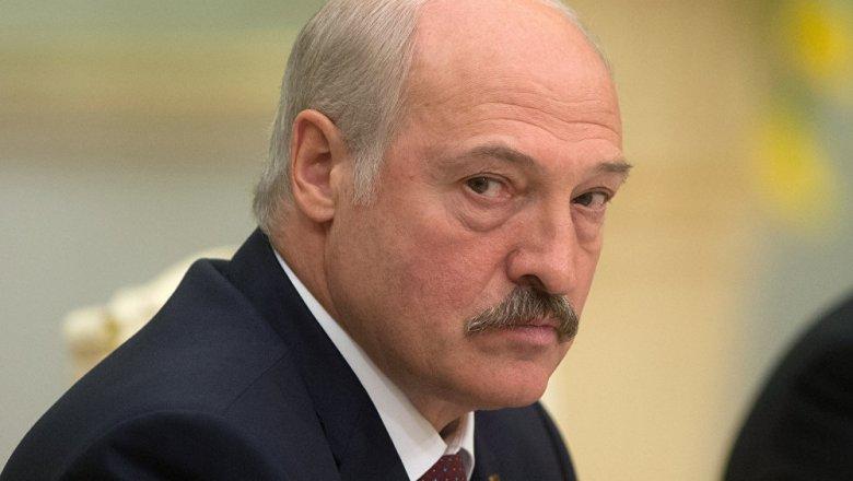 Лукашенко призвал белорусов «переходить навина»