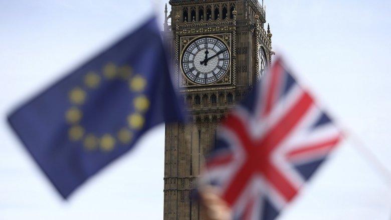 Додон о Brexit: мы не должны бежать за разваливающимся поездом