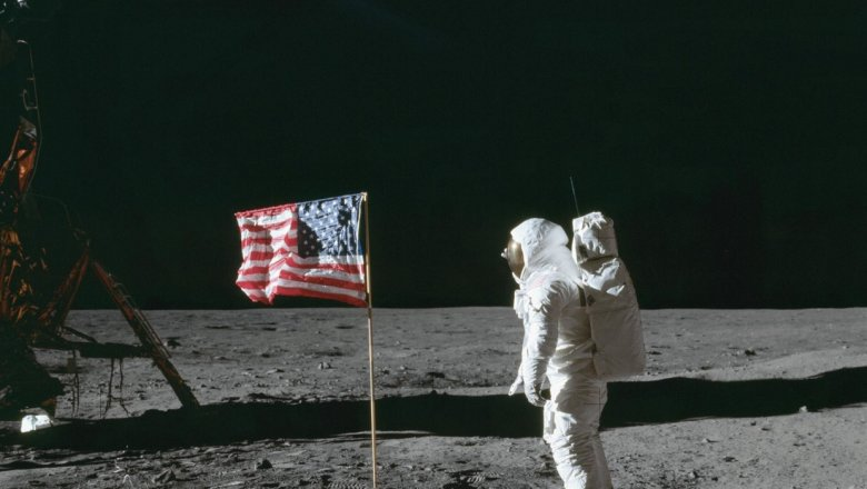NASA опубликовало аудиозаписи высадки наЛуну