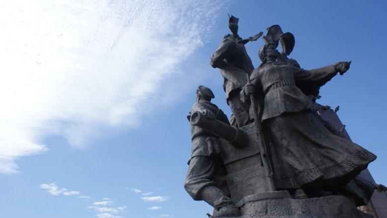 ВУссурийске открыли 1-ый в Российской Федерации монумент работникам охотнадзора