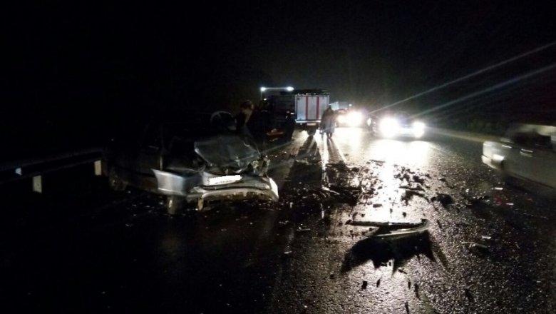 Под Краснодаром легковой автомобиль сбил 2-х женщин