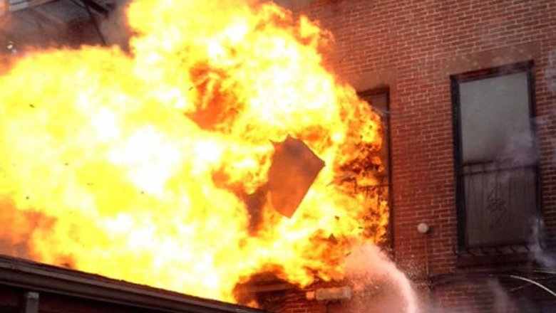 Вweb-сети интернет появилось видео смертоносного пожара наскладе в столицеРФ