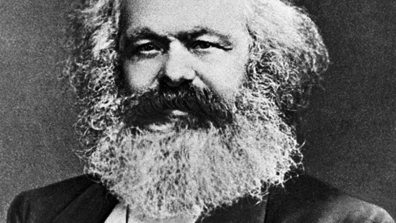 СиЦзиньпин: Маркс— благородный педагог революции ивеличайший мыслитель