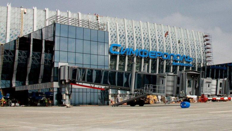 Монтаж телескопических трапов начался вновом терминале аэропорта Симферополь