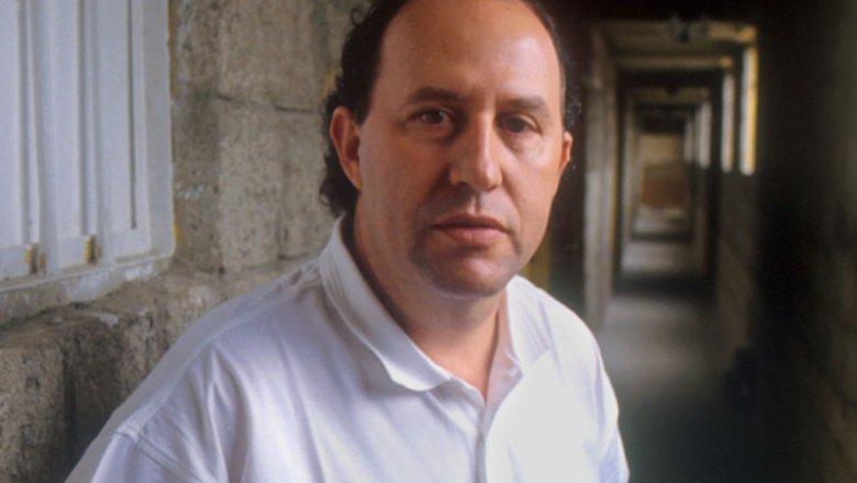 Брат Пабло Эскобара требует отNetflix млрд засериал «Нарко»