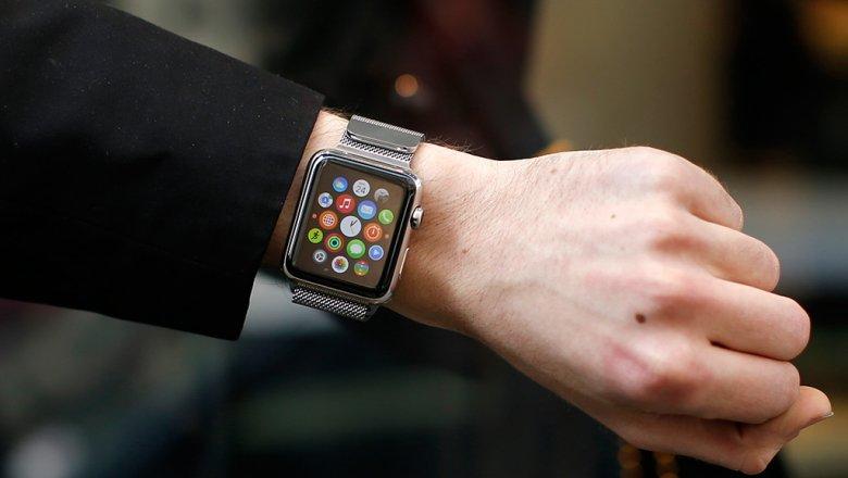 Английским министрам запретили пользоваться Apple Watch из-за русских хакеров