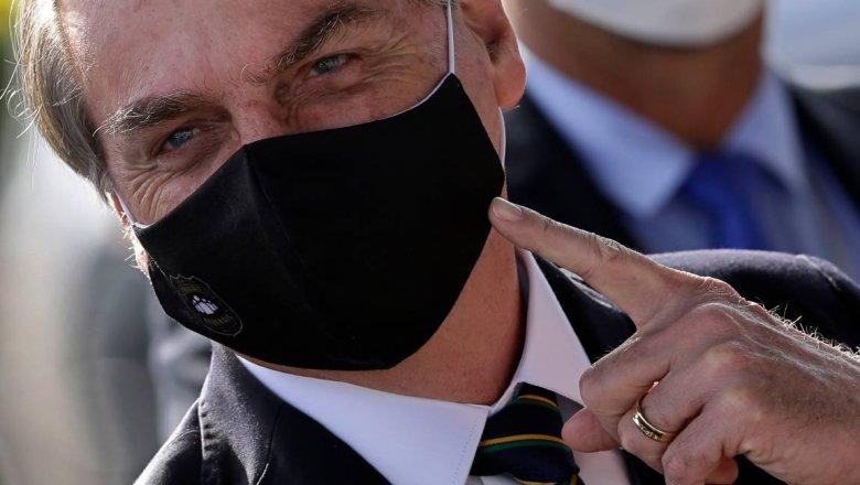 Журналисты подадут в суд на заразившегося коронавирусом президента Бразилии