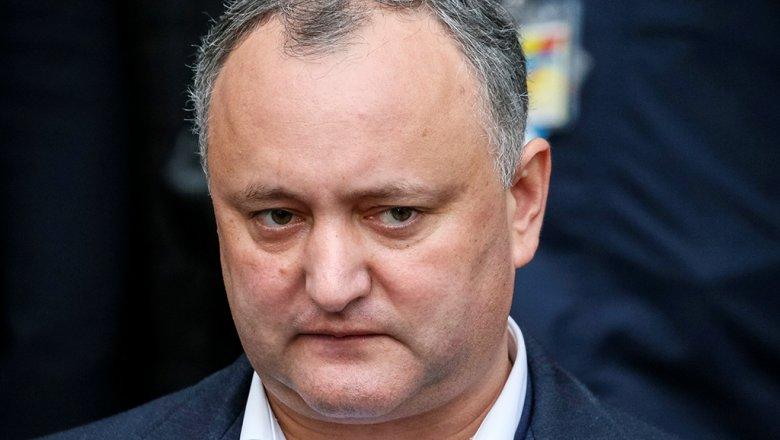 ВМолдове народные избранники попросили суд временно сместить президента Додона