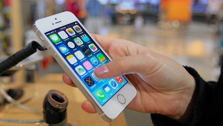 В РФ мобильные телефоны iPhone подводят собственных владельцев чаще, чем Самсунг