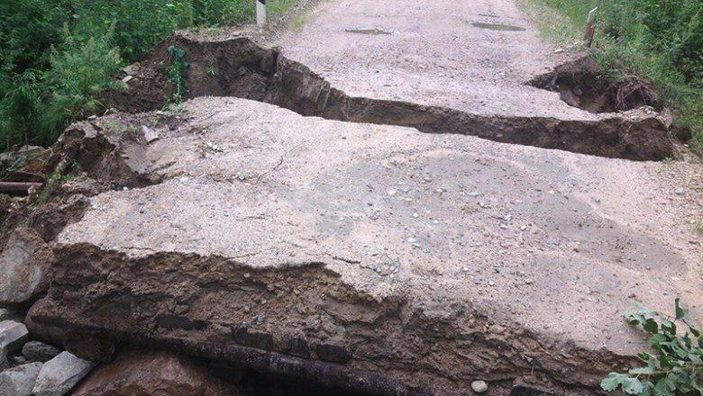 МЧС: Кукан все еще отрезан отбольшой земли