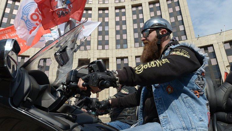 Мотопарад стартовал вцентральной части Москвы